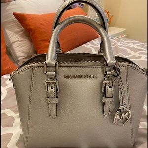 Michale Kors bag